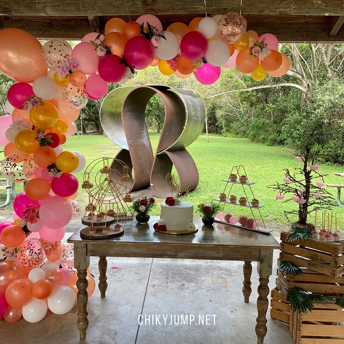 Table Cake decorted, cake, organic arch ballooons